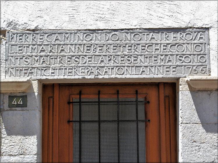 Linteaux de portes de Saint Jean Pied de Port