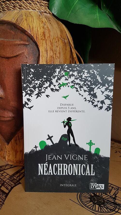 """""""Néachronical - l'intégrale"""" une intrigue qui semblait prometteuse, mais je n'ai pas aimé pour diverses raisons."""