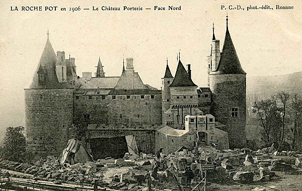 chateau-de-la-Roche-POT.jpg