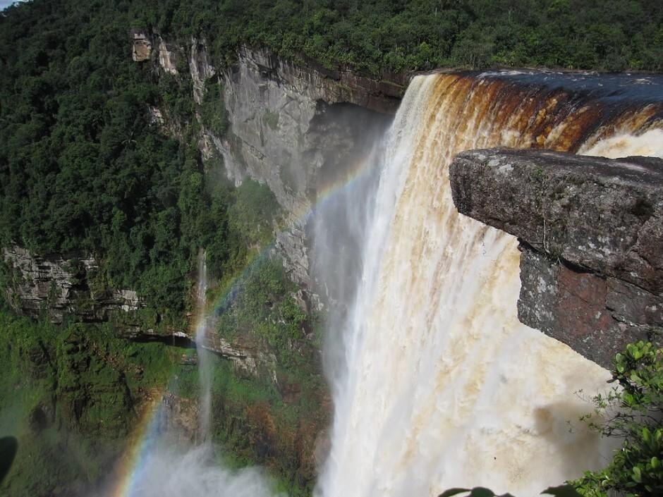 Kaieteur-falls-3-940x705