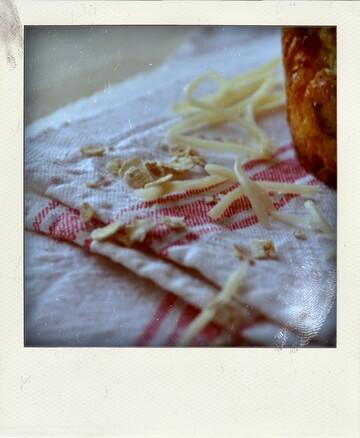 Mini cakes de pomme de terre aux poireaux et aux oignons (Je cuisine avec Maggi®)
