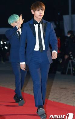 14/01/2016 Seoul Music Awards Red Carpet J-Hope, Jin, Rap Monster & V