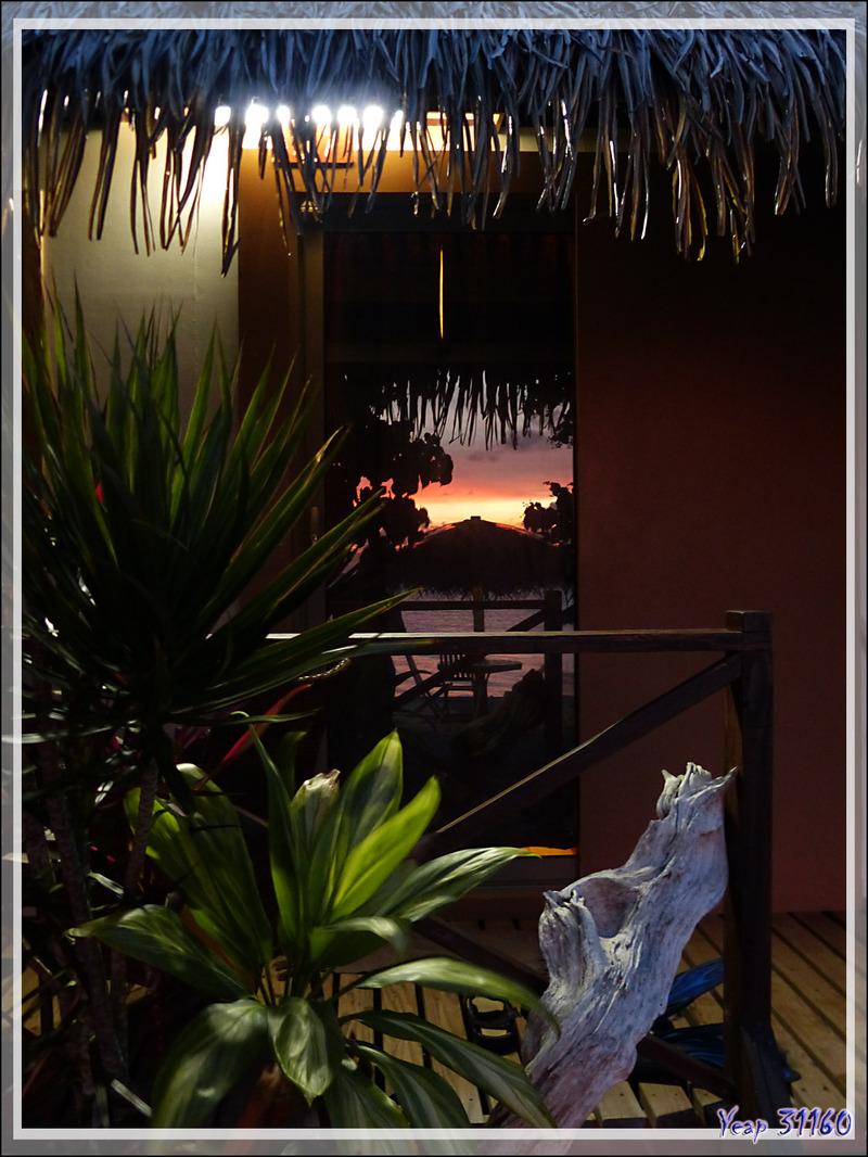 Coucher de soleil vu du Pearl Havaiki Lodge - Rotoava - Atoll de Fakarava - Tuamotu - Polynésie française