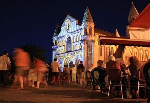 Poitiers : les polychromies de Notre-Dame-la-Grande !