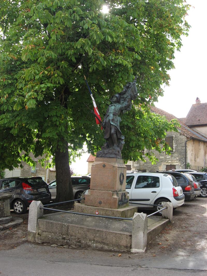 CHATEAUNEUF (21) : le village médiéval