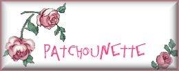 Patchounette 3 roses sur fond blanc