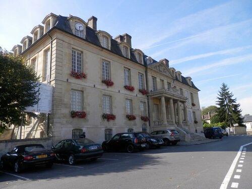 La mairie de Viarmes
