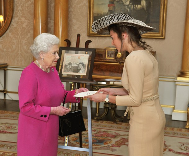 Elizabeth et l'ambassadrice