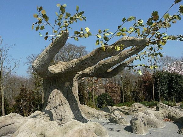 Terra-Botanica-Arbre-en-beton-23-03-066.jpg