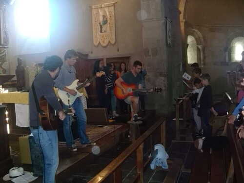 Culte en l'église d'Aucun