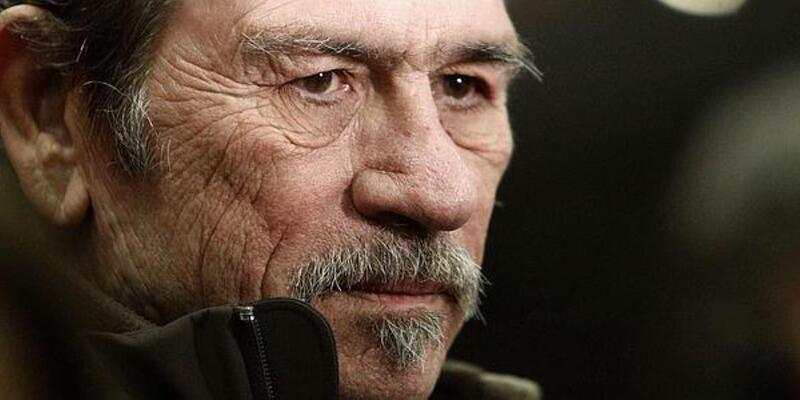 Tommy Lee Jones, tras los pasos de John Wayne