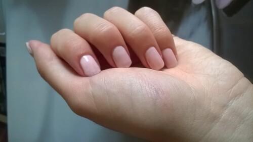[vernis] : vernis à ongles
