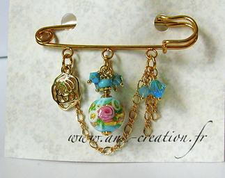 Broche Epingle 3 anneaux Verre de Murano rose et bleu-ciel, Cristal de Swarovski / Plaqué Or