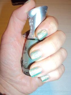 Des ongles holographiques