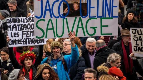 Une marche de soutien à Jacqueline Sauvage, le 23 janvier 2016, place Bastille à Paris.