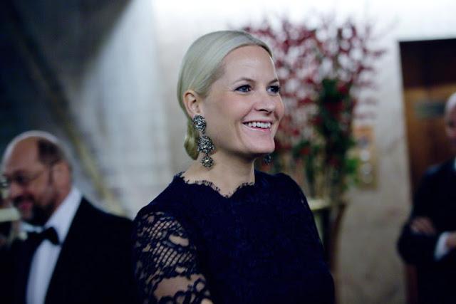 Mette Marit au banquet à Oslo