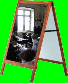 Reconstitution d une authentique salle de classe.