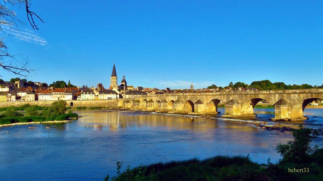 la Charité sur Loire (58) -1     cliques ...