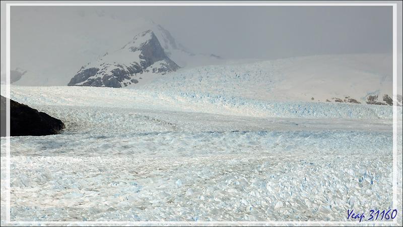 Zoom sur le bras sud du glacier Perito Moreno vu du départ de la visite - Patagonie - Argentine