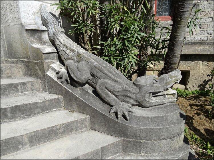 Photos des crocodiles : Entrée principale du château Abbadia