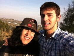 Esther Galil avec le journaliste Israélien Tal Miller 2012