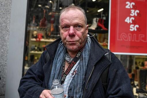 En Grèce, le correspondant de « La Croix » agressé pour la deuxième fois par des néonazis  (lacroix.com-20/01/20-19h12)