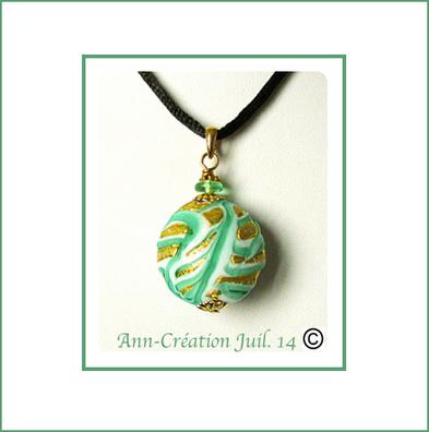 Pendentif Verre de Murano authentique Vert d'Eau et Feuille d'Or / Laiton