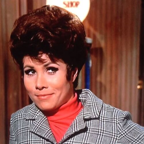"Michele lee dans le film""La coccinelle""."