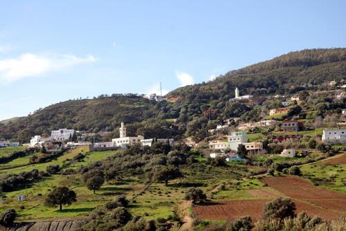 Partout de petits villages avec leur mosquée