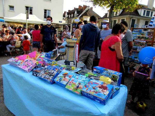 La plage à Châtillon sur Seine,  en compagnie des Vitrines Châtillonnaises a ravi de très nombreux spectateurs !