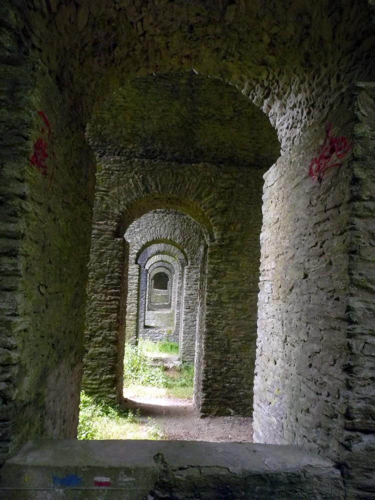 Arches du viaduc de la Verrière