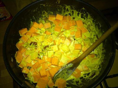 Curry de choux fleur/patate douce et carottes