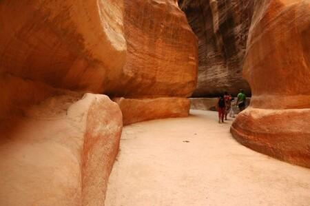 Cette perle du Moyen-Orient dont les monuments sont creusés dans la roche