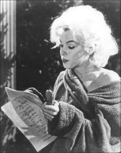 """Les """"deux morts"""" de Marilyn MONROE....."""