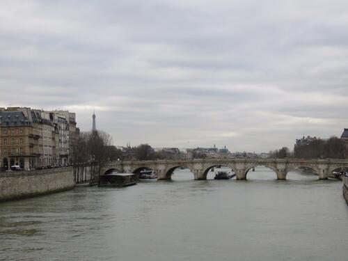 Patinoire de l'Hôtel de Ville puis les quais aujourd'hui.