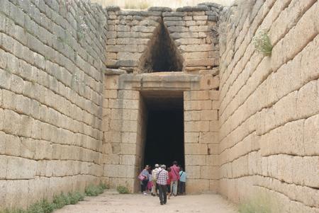 Mycènes - Trésor d'Atrée - entrée du tombeau Royal