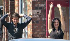 Colin O'Donoghue and Lana Parilla - Behind the scenes- 5 * 5 - 21 August 2015. Love these 2 ! ♥