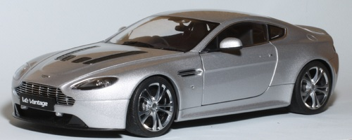 V12 Vantage Auto Art