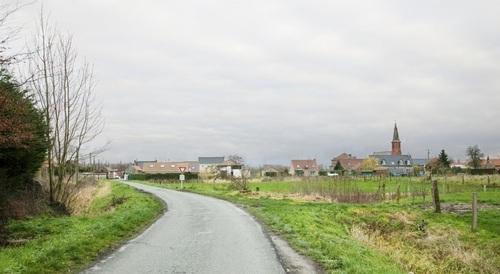 Entrée du village : Thun-Saint-Amand