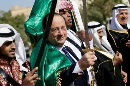 00 - Hollande-brandit-le-sabre-de-l-islam.jpg