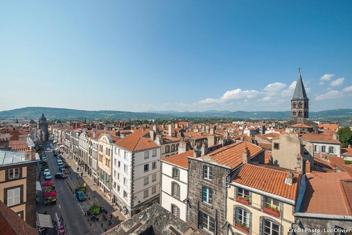 La ville de Riom depuis le sommet de la tour de l'Horloge