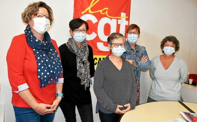 Françoise Le Guillou, Véronique Guéguen, Agnès Segons, Caroline Tromeur et Catherine Bernard, de la section syndicale CGT de l'hôpital de Carhaix, ne cachent pas leurs inquiétudes en cette rentrée.