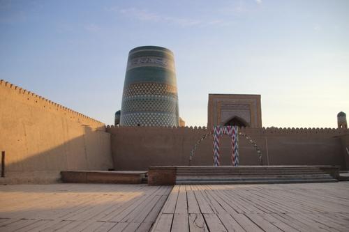 Khiva : la place du Régisthan et la citadelle