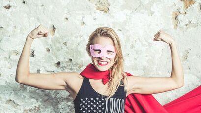 Amy Cuddy, docteur en psychologie et professeur à Harvard, a démontré que certains gestes pouvaient augmenter la confiance et l'estime de soi.