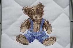 Petit ours culotté.