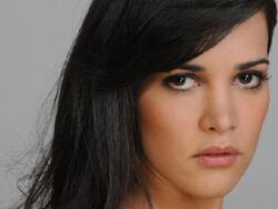 Biographie de Monica Spear