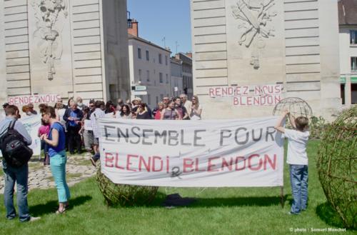 Marche de soutien et apéritif citoyen du 26 mai 2012