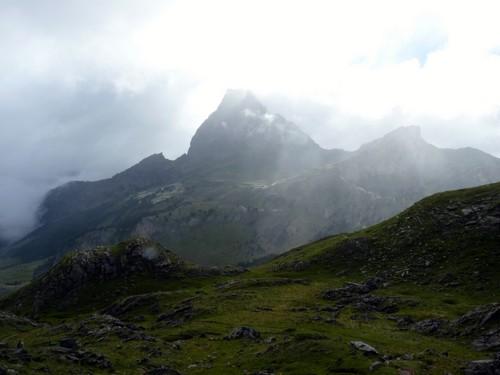 Pic du Midi d'Ossau dans les nuages