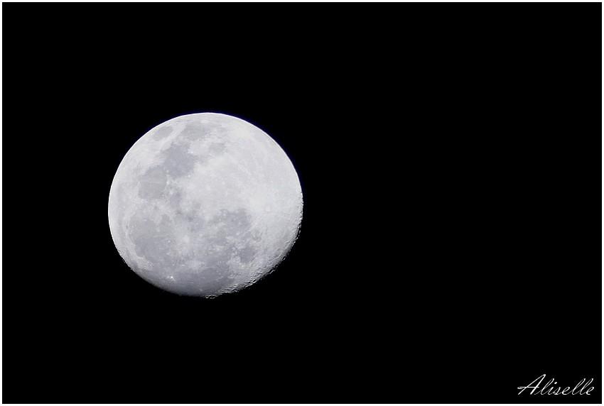 Au clair de la lune...