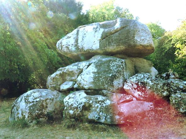 Menhir de la Cordelle à Vézelay